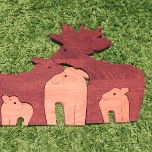 деревянные игрушки пазлы семья оленей