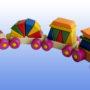 Игрушка поезд с рыжей крышей 2