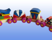 Игрушка поезд с синей крышей
